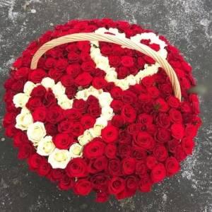 151 роза с двумя сердцами R2104
