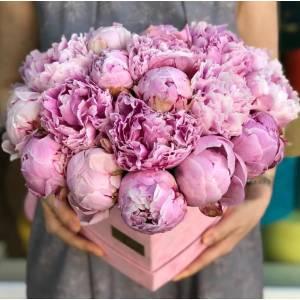 Коробка сердце 31 розовый пион R770