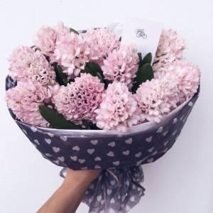 Букет 11 розовых гиацинтов с оформлением R1081