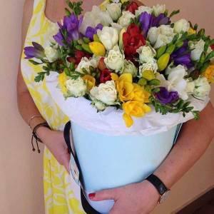Коробка сборная фрезия и розы R586